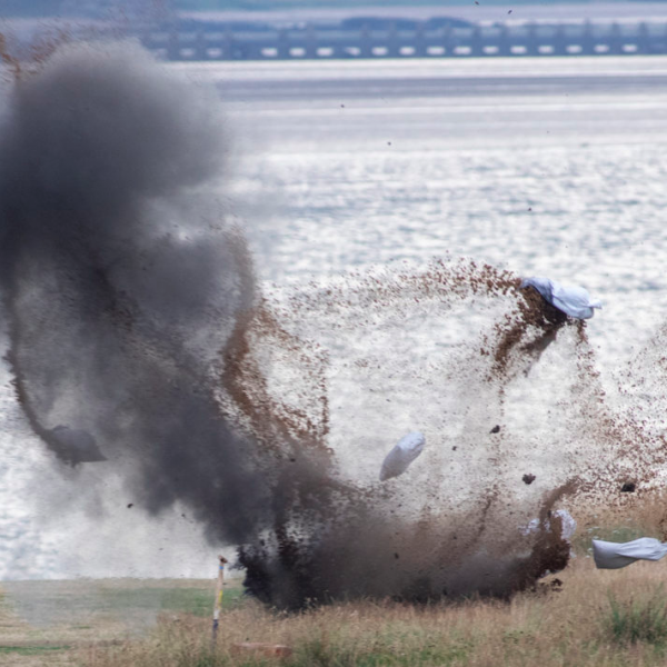 EOD team detonate unexploded ordnance at Gypsy Brae, Edinburgh